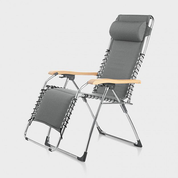Komfortliegestuhl Aluminium mit Robinienholz-Armlehnen