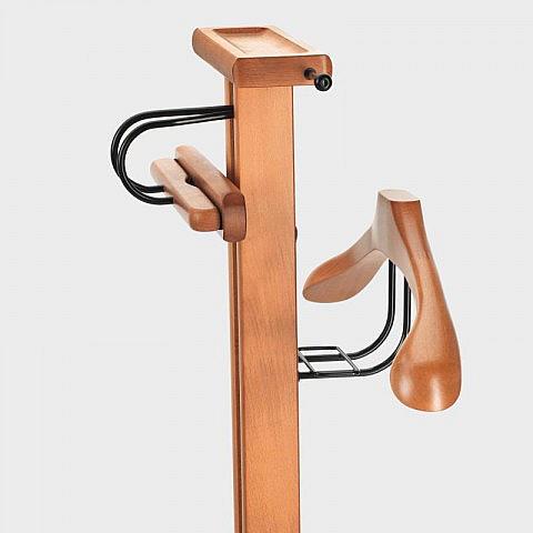 stummer diener mit pedalbedienung buche. Black Bedroom Furniture Sets. Home Design Ideas