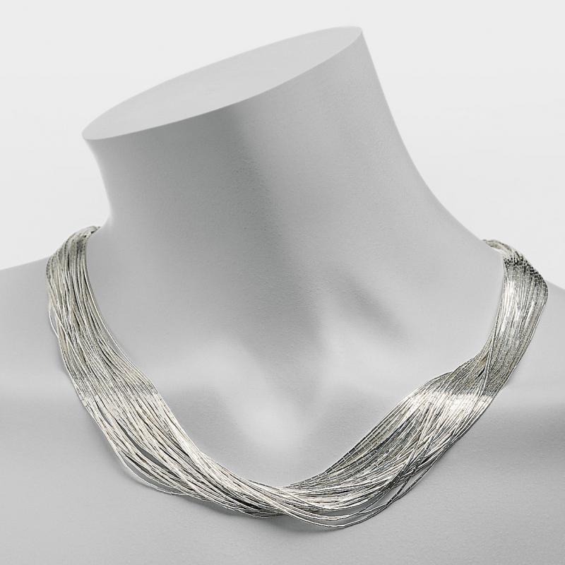 Schmuck flussiges silber